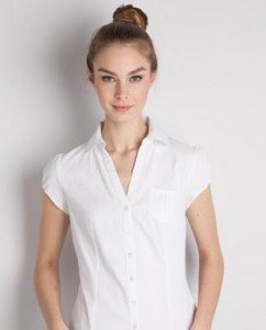 Des vêtements d'été très chics chemise-stretch-242x300